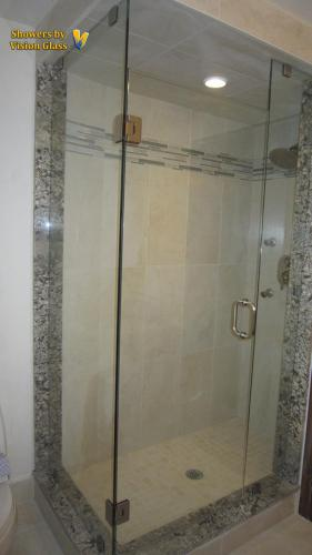 Showers - Corner 3pc