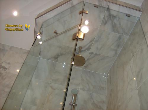 Showers - transom-top